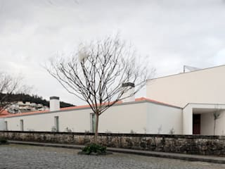 Nhà theo 3H _ Hugo Igrejas Arquitectos, Lda, Tối giản