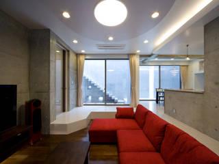 本田建築設計事務所 Salones modernos