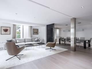 Conexión salón - comedor Salas de estilo minimalista de Hernández Arquitectos Minimalista
