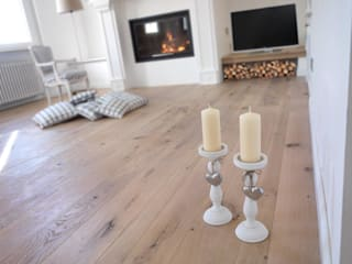 GIʎNT® Rovere europeo Natura Sbiancato Pareti & Pavimenti in stile classico di Ciambella Legnami Srl Classico