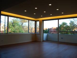 Salle à manger de style  par Teresa Pinto Ribeiro   Arquitectura  