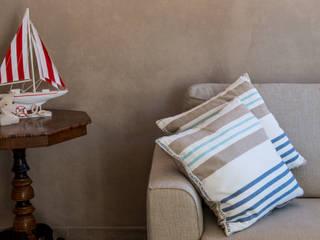 Ristrutturazione Edilizia Civile Abitazione Centro Storico - Portoferraio: Soggiorno in stile  di Studio di Architettura Pastorelli
