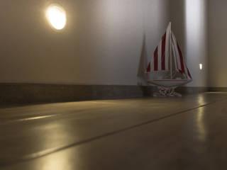Ristrutturazione Edilizia Civile Abitazione Centro Storico - Portoferraio: Ingresso & Corridoio in stile  di Studio di Architettura Pastorelli
