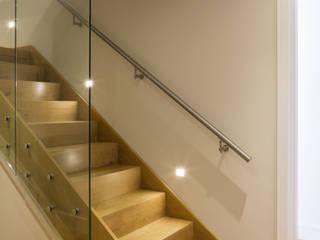 Fulham House Frost Architects Ltd Коридор