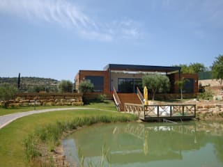 Country style house by KITUR Country