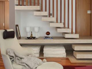 Moderne Wohnzimmer von MF Arquitetos Modern