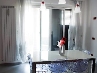 Sallustio: Works: Sala da pranzo in stile in stile Moderno di Sallustio Infissi