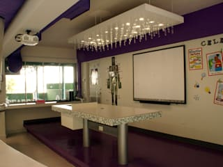 VIVAinteriores Modern Study Room and Home Office Tiles White