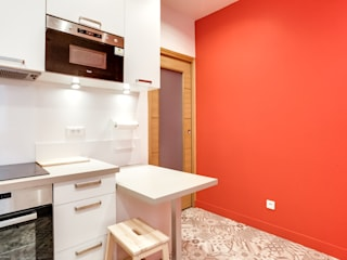 Rénovation et décoration appartement ancien Cuisine moderne par Decorexpat Moderne
