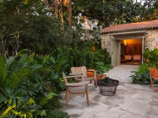 Egzotyczny ogród od Marina Linhares Decoração de Interiores Egzotyczny