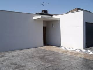 Vivienda en urbanización de Valladolid: Casas de estilo moderno de ardisvall