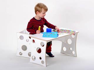 Kindertisch STEFFI und ein Stuhl STUART in Weiß:   von Christians-Holzladen