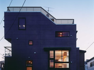 夜景: 有限会社 高橋建築研究所が手掛けた家です。