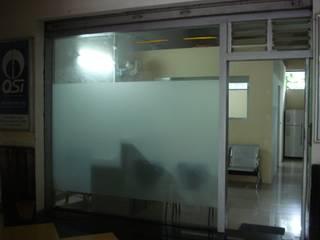 Văn phòng & cửa hàng theo Global Associiates, Tối giản