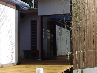小さな家の増築 モダンな 家 の 松永鉄快建築事務所 モダン