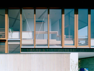 Modern Houses by 松永鉄快建築事務所 Modern