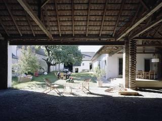 PIMP UP MY FARMHOUSE Garagen & Schuppen im Landhausstil von DREER2 Landhaus
