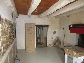 Maison années 1920, à Plélan-le-grand (RENNES).:  de style  par Histoires d'espaces.