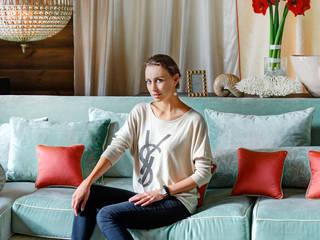 Phòng khách phong cách mộc mạc bởi Ольга Куликовская-Эшби Mộc mạc