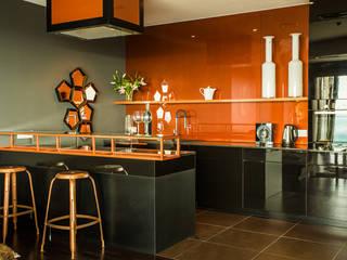 APARTMENT 1 Modern Kitchen by 2kul INTERIOR DESIGN Modern
