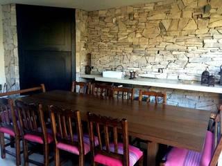 Colonial style dining room by Estudio Emilio Maurette Arquitectos Colonial