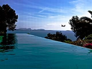 Can Jacobo Piscinas de estilo mediterráneo de Rios-Casariego Arquitectos Mediterráneo