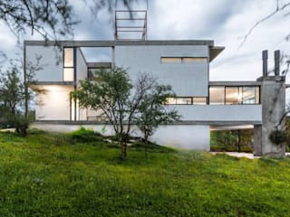 Modern houses by ARP Arquitectos Modern