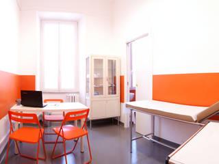 studio medico: Studio in stile  di Archgallery