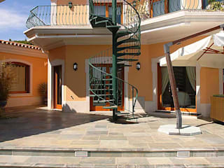 Villa 38: Casas clássicas por PLAN Associated Architects