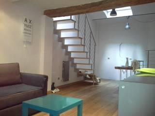 LOFT VERTICALE a MACERATA: Sala da pranzo in stile  di serenella ottone studio