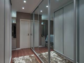 Classic style dressing rooms by Guido Iluminação e Design Classic