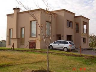 Casa en Ciudad Pueblo: Casas de estilo  por Grupo PZ