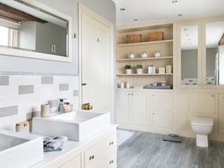 Farmhouse Bathroom Classic style bathroom by Workshop Interiors Classic