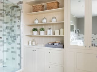 Farmhouse Bathroom Classic style bathrooms by Workshop Interiors Classic