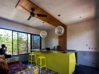 Casa T: Salas de estilo  por Studio Arquitectos