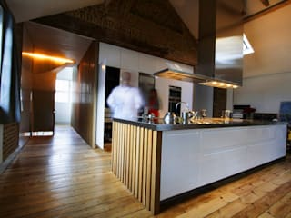 St Michaels Street Modern kitchen by Henning Stummel Architects Ltd Modern