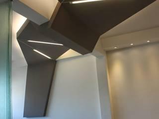 KOIT | OFICINA | OFFICE Estudios y oficinas minimalistas de A|UNO arquitectos Minimalista