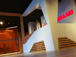 Modern Corridor, Hallway and Staircase by ÖZ-İŞ İNŞAAT İÇ MİMARLIK HAZIR MUTFAK Modern
