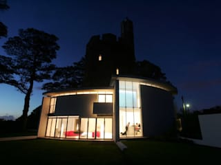 Lymm Water Tower Modern houses by Kate and Sam Modern