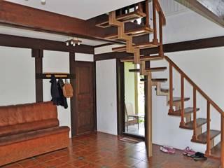 Олег Чистяков Rustic style corridor, hallway & stairs