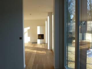 Wohnhaus Grüne Mitte Regensburg Moderne Wohnzimmer von Donhauser Postweiler Architekten Modern