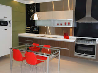 Modern style kitchen by Studio Dellas Interior Design Modern