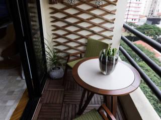 Terrazas de estilo  de MIS Arquitetura e Interiores