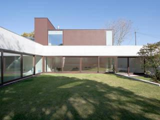 Projeto Casas minimalistas por Figueiredo+Pena Minimalista
