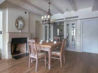 Jeżewska & Zakrawacz Classic style dining room