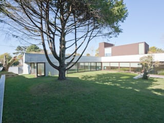 Projeto: Casas  por Figueiredo+Pena,Minimalista