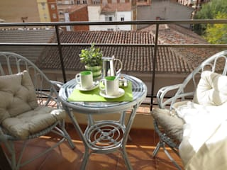 Terrace by Tu Casa Home Staging,
