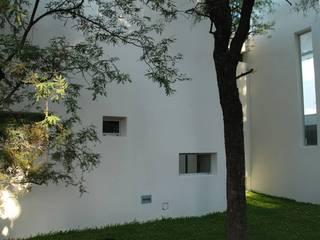 Vivienda en el Bosque Casas modernas: Ideas, imágenes y decoración de FKB ARQUITECTOS Moderno