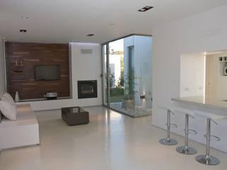 Proyecto Casas modernas: Ideas, imágenes y decoración de VISMARACORSI ARQUITECTOS Moderno