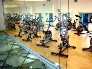 Modern Gym by SANTIAGO PARDO ARQUITECTO Modern